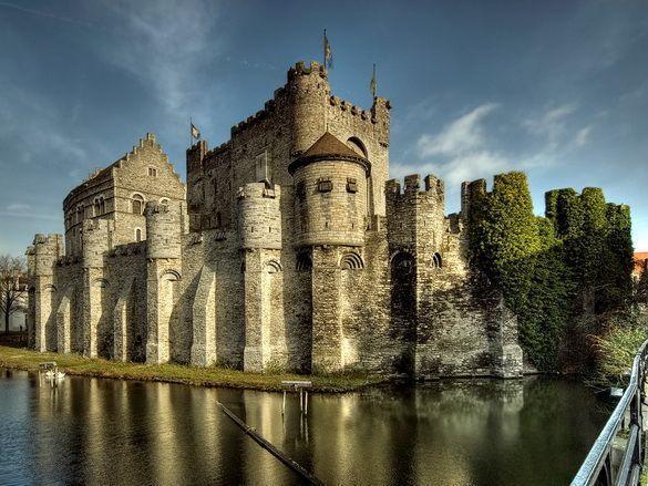 Дешевый отдых в Бельгии будет не будет полноценным без посещения формальной столицы Фландрии — Гента